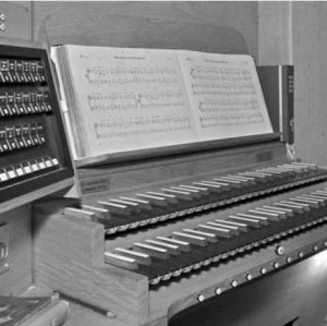 Manual_Orgel_Martinskirche_bw_300.jpg